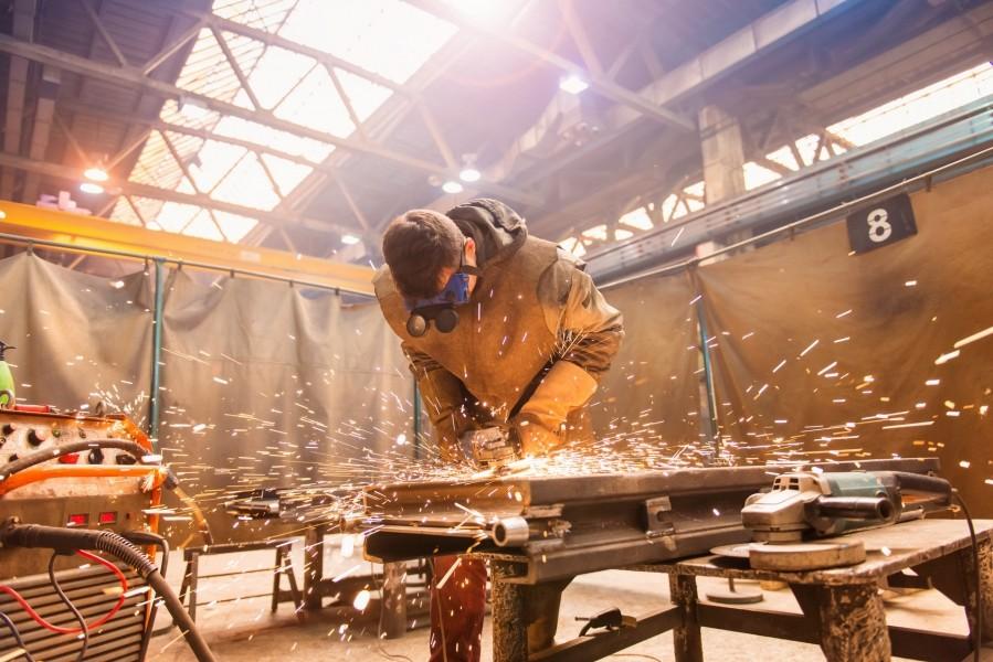 Photo 3 2 faces PU, protège contre les projections de soudure ou meulage, résiste en pointe à 600°C et en continu à 550°C - avec ourlet et oeillets tous les 50cm - KINGPRO