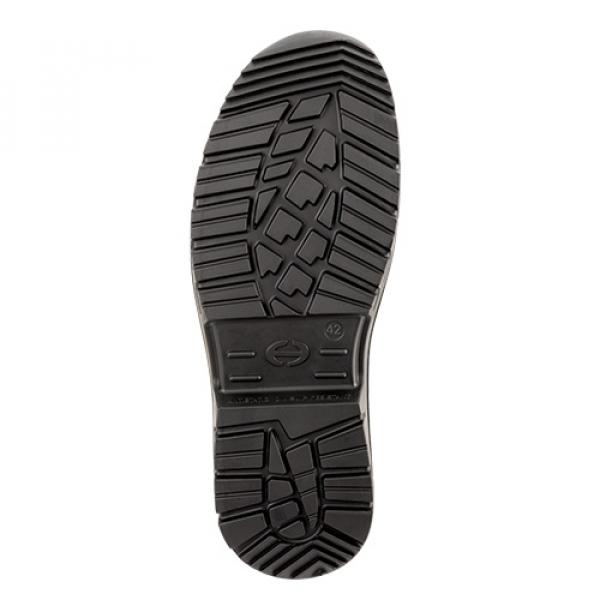 Photo 4 Polyvalentes, robustes et confortables, les chaussures SUXXEED OFFROAD sont idéales pour les maçons, les couvreurs, les étancheurs, les carreleurs ou les poseurs de parquets.  La tige en cuir fleur huilé marron est peu salissante et résistante à la pénétration d'eau.   Le bout recouvert prolonge la durée de vie de la chaussure et est particulièrement adapté aux personnes amenées à travailler accroupies ou à genoux.  La semelle en PU2D offre un excellent amorti et antidérapante. - Heckel