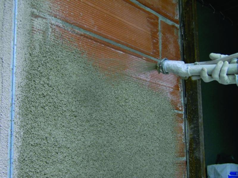 Photo 2 ENDUIT LÉGER ISOLANT 230 kg/m3 Prêt à l'emploi pour l'Isolation Thermique des bâtiments. ISOLTECO® est un enduit léger isolant en sac prêt à l'emploi, allégé par des billes de polystyrène vierge expansées à granulométrie contrôlée et enrobées de l'adjuvant E.I.A. (diamètre 2 mm). ISOLTECO® possède un rendement élevé qui assure, en une seule opération, l'isolation thermique et l'imperméabilisation de vos murs et contribue à la protection du bâti tout en réduisant la consommation d'énergie. - EDILTECO FRANCE