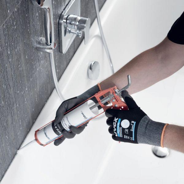 Photo 3 Le gant polyvalent par excellence : les gants uvex phynomix XG offrent une grande précision pour les petits assemblages, un excellent grip sur les pièces sèches comme huileuses, et son enduction Xtra Grip très résistante est idéale pour tous les travaux de manutention. Ces gants sont exempts de substances nocives ou allergènes. Ils sont certifiés OEKO-TEX® Standard 100 et leur excellente tolérance cutanée est approuvée par un laboratoire indépendant. - uvex