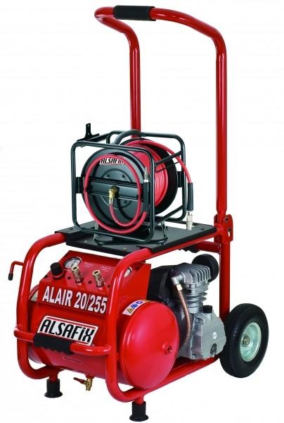 Photo 3 Le kit se compose d'un cloueur en rouleaux C 28/70 (pour clous de 35 à 70 mm) + 1 compresseur ALAIR 20/255 (cuve de 20 l, débit de 255 l/min) + 1 enrouleur pneumatique de 30 mètres pivotant. Emplacement prévu pour l'enrouleur sur le compresseur. Idéal pour les charpentiers, menuisiers ou couvreurs. - ALSAFIX