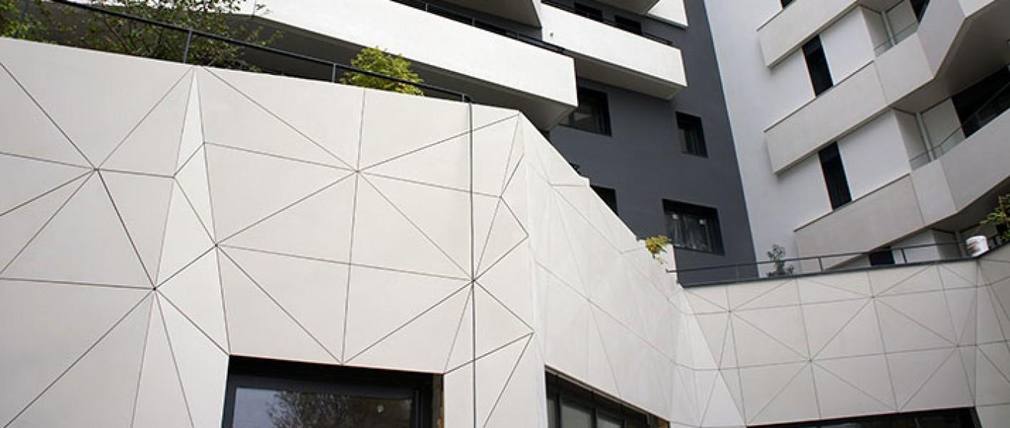 Photo 1 Des murs qui mangent la pollution et qui s'auto-nettoie ! - PERIN & Cie