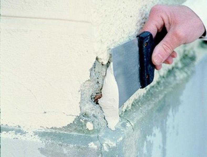 Photo 4 Enduit de rebouchage et de réparation gain de temps en poudre, extérieur, pour application manuelle - Toupret