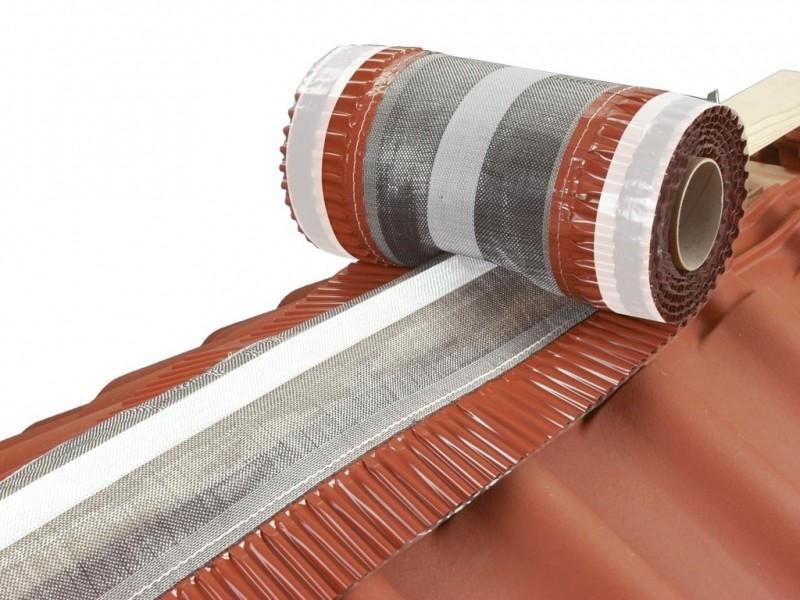 """Photo 1 """"CLOSOIR SOUPLE VENTILE HISTORIQUE"""" ! Avec trame en polypropylène grise et bande centrale de renfort synthétique blanche, collée et cousue aux jupes en aluminium plissé. Souplesse, robustesse et durabilité pour compter sur """"toit"""" qui joue le rôle le plus important d'un bâti. Disponible en 3 coloris. - MAGE FRANCE"""