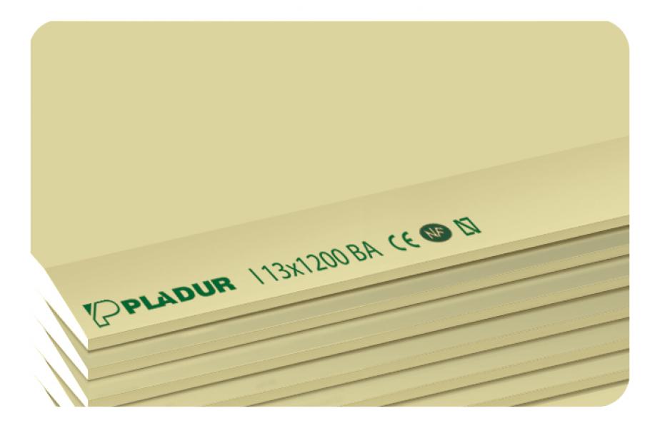 Photo 1 Plaque de plâtre haute dureté présentant une meilleure résistance aux chocs. Les parements sont de couleur jaune pour la face destinée à être revêtue et grise pour le dos. La plaque de plâtre PLADUR® I convient aux applications définies par le DTU 25.41 et par le DTA 9-15-1008 (Cloisons séparatives PLADUR® Métal SA 1200 et PLADUR® Métal SD 1200) lorsque les ouvrages sont soumis à de fortes contraintes mécaniques. Format 13 x 1200 x 3000 - Pladur