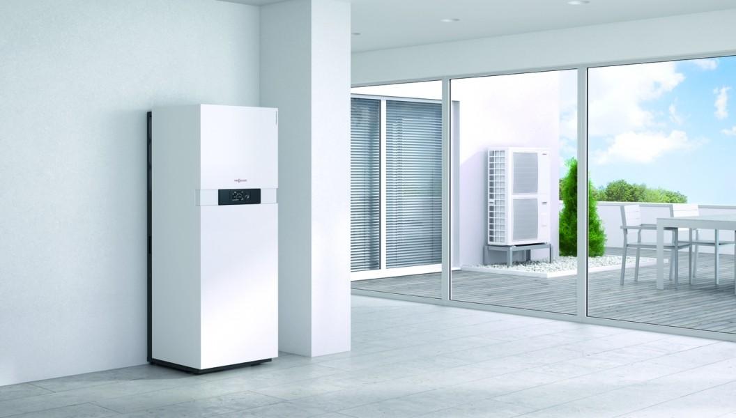 Photo 3 La Vitocaldens 222-F est une PAC hybride compacte gaz ! C'est un système énergétique complet et peu encombrant composé d'une pompe à chaleur, d'une chaudière gaz à condensation et d'un réservoir d'ECS de 130 litres qui garantit une quantité d'eau chaude confortable. Elle a les modes de fonctionnement : Economie, Ecologie ou Confort, Son gestionnaire d'énergie détermine automatiquement le générateur de chaleur prioritaire. De plus, elle peut être raccordée à une installation photovoltaïque. - Viessmann France
