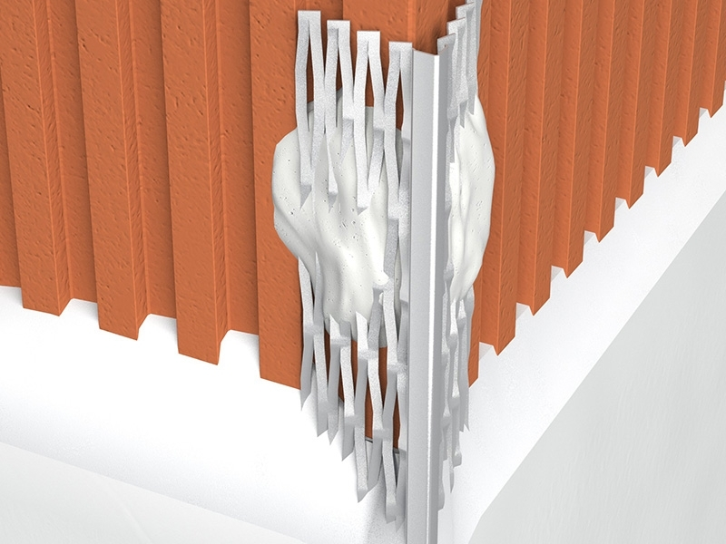 Photo 3 Profil d'angle en acier galvanisé déployé à bec de burin. Profilé de finition d'angle intérieur pour plâtre traditionnel pour régler l'aplomb des angles sortants de maçonnerie pour enduit de 8 mm. - PAI