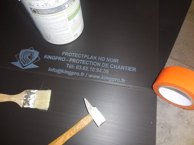 Photo 1 Plaque de protection pour tous vos travaux - prévention contre les chocs lourd sur chantier Plaque de 4mm d'épaisseur par 1.20m de large et 2.40m de long Flexible, léger et rapide à mettre en oeuvre - KINGPRO