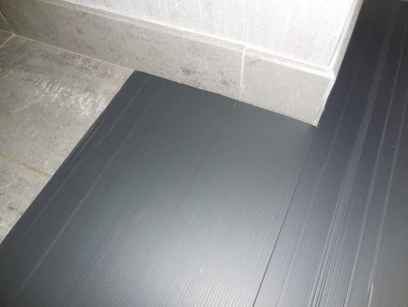 Photo 2 Plaque de protection pour tous vos travaux - prévention contre les chocs légers sur chantier Plaque de 2mm d'épaisseur par 1.20m de large et 2.40m de long Flexible, léger et rapide à mettre en oeuvre - KINGPRO