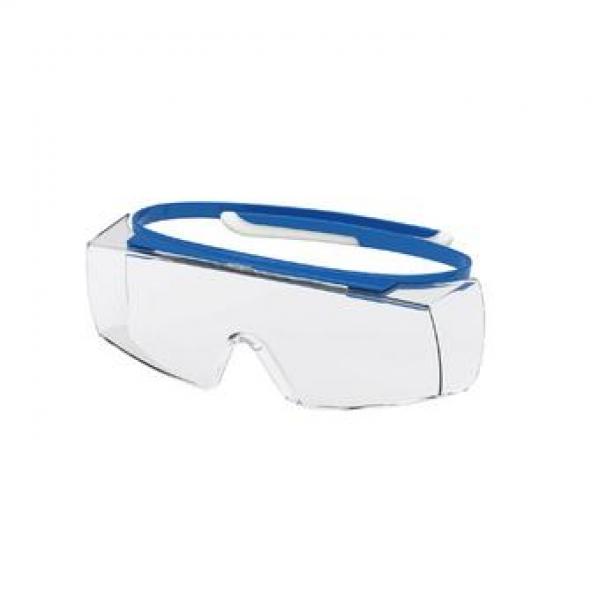 Photo 1 Les surlunettes uvex super OTG sont idéales pour les porteurs de lunettes de vue : les branches complétement flexibles peuvent se placer juste au-dessus des branches des lunettes et évitent tout inconfort. Les yeux sont parfaitement protégés grâce à l'oculaire panoramique et aux protections latérales intégrées. Conçues en polycarbonate avec technologie haute résolution, elles offrent une excellent qualité de vision minimisant les effets d'optique dus à la superposition des oculaires. - uvex