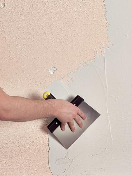 Photo 3 TOUPRET CACHET BLANC est un enduit de rénovation gain de temps en poudre, intérieur, pour application manuelle. TOUPRET CACHET BLANC s'applique sur supports neufs ou rénovés, bruts ou peints et est recouvrable par tous types d'enduits, peintures et revêtements muraux. TOUPRET CACHET BLANC permet un redoublement rapide de 2H30, une fonction 2 en 1 garnissant-Lissant permettant une finition lisse et resserrée. - Toupret