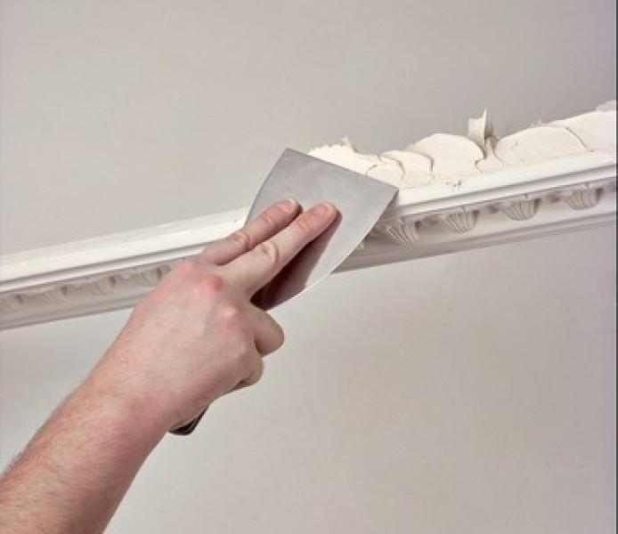Photo 2 Toupret R est un enduit de rebouchage en poudre, intérieur, pour application manuelle. Toupret R s'applique sur supports neufs ou rénovés, bruts ou peints et est recouvrable par tous types d'enduits, peintures et revêtements muraux - Toupret
