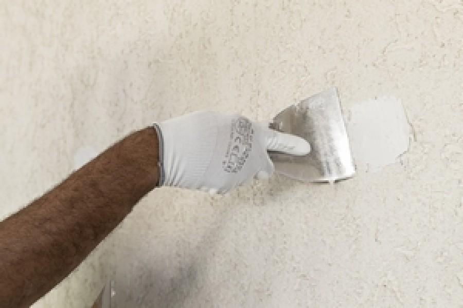 Photo 3 Avec une mise en peinture après 3 heures, le TX110 est un enduit de rebouchage reconnu et très apprécié sur les chantiers. Cet enduit permet de reboucher tout type de trous ou fissures sans limite d'épaisseur.  Riche en résine, cet enduit vous assure une grande dureté avec une excellente adhérence et un très bon confort d'application. - Toupret